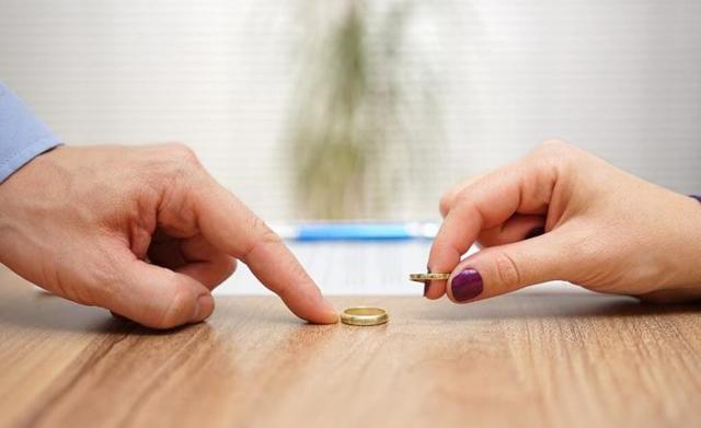 Основания для развода и порядок процедуры - способы расторжения брака, необходимые документы, момент прекращения