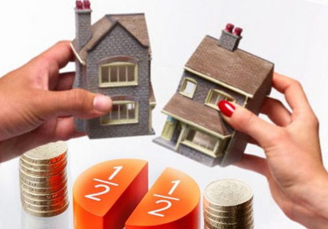 Как при разводе супругов делится жилье (купленная квартира или дом, в ипотеке или приватизированная)