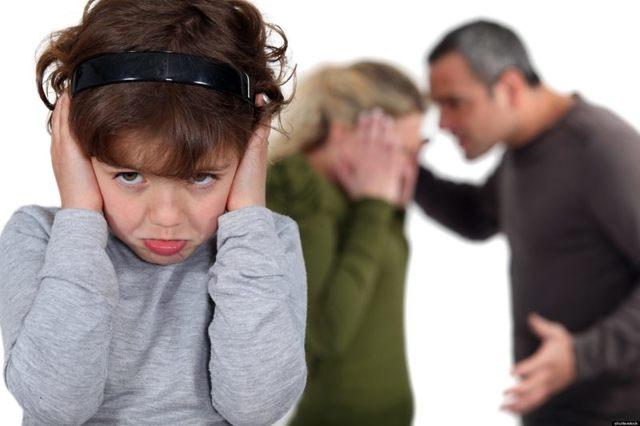 Развод при наличии несовершеннолетних детей: особенности процедуры расторжения брака, порядок подачи заявления в суд и другие необходимые документы